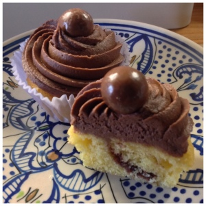 Chocolate 'secret' cupcakes