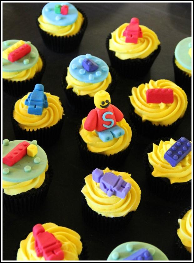 Legos boys' cupcakes - choc&vanilla - Pinterest