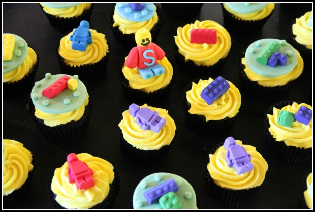 Legos boys' cupcakes - choc&vanilla