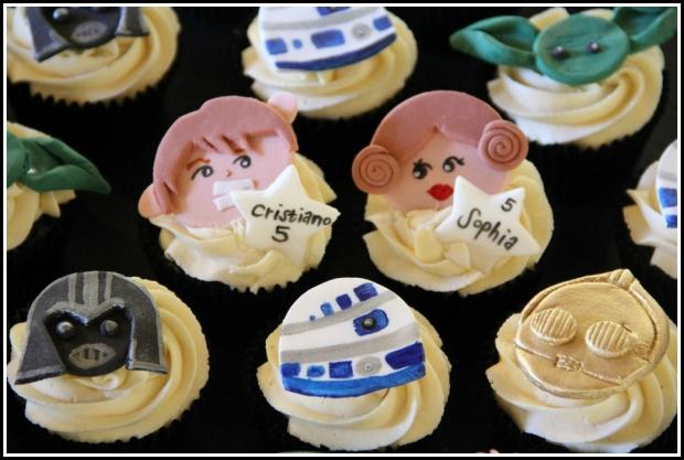 Star Wars choc & vanilla cupcakes