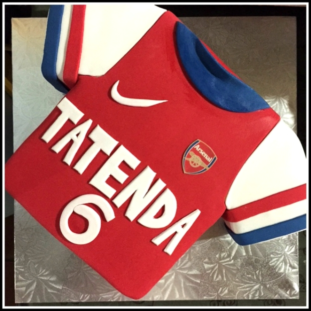 Arsenal jersey birthday cake