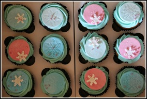 Frozen-themed cupcakes 2